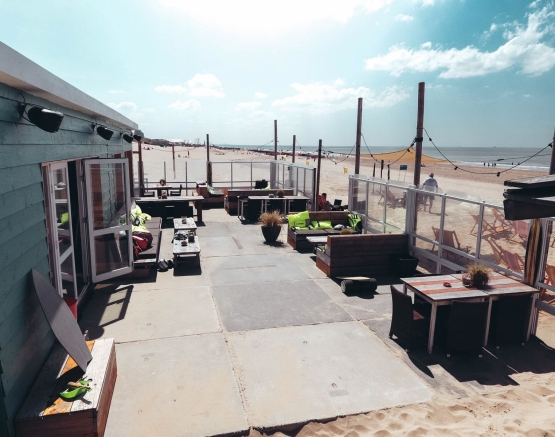 BeachBreak Surfkamp Surfcafe Bedrijfsuitjes Noordwijk strand
