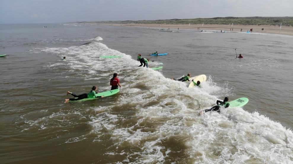 surfles surfkamp surfen noordwijk surfschool noordwijk surfles noordwijk zomerkamp noordwijk 2021