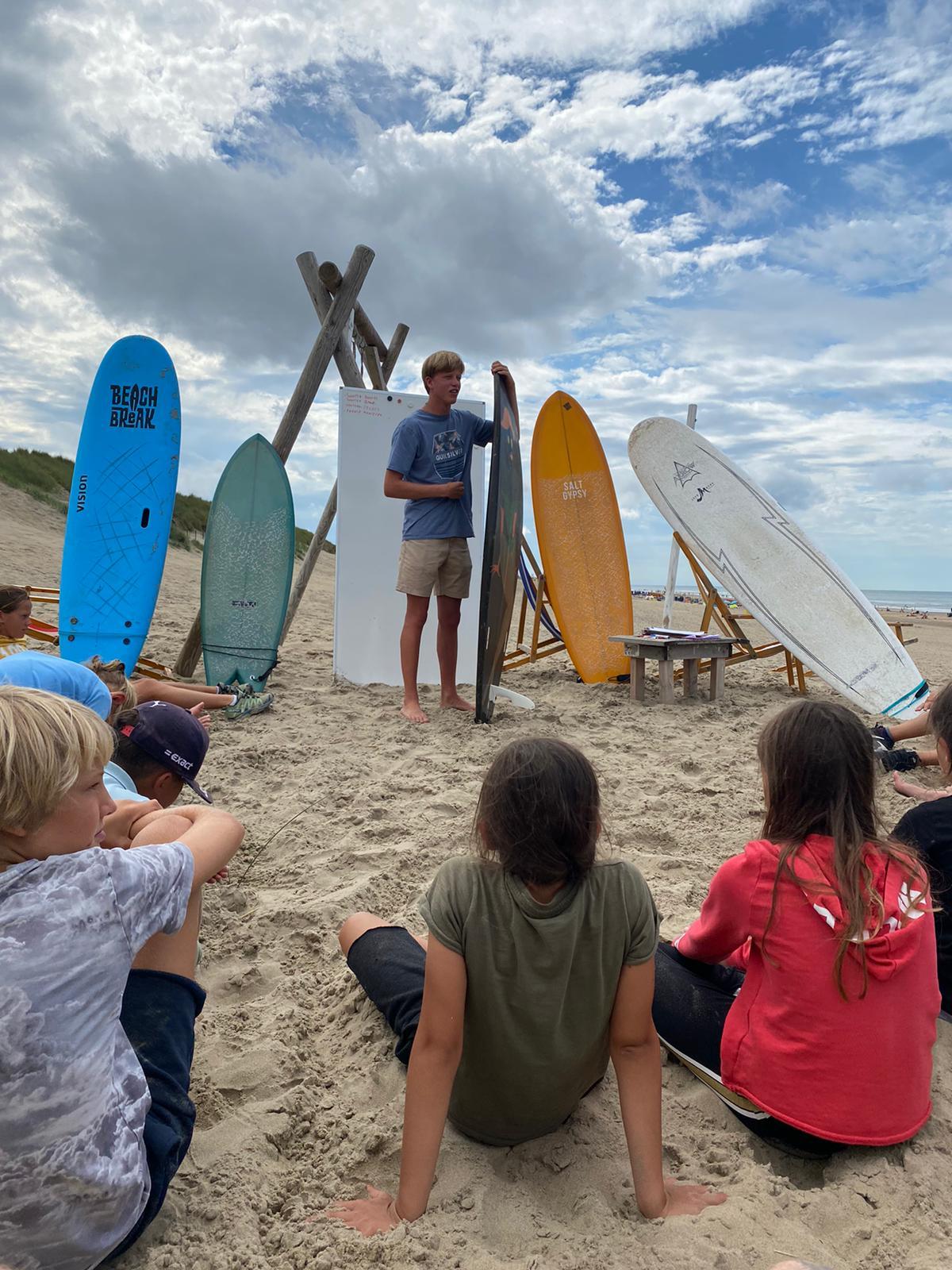 Surfkamp 2021 Noordwijk Surfles surfen in noordwij zomerkamp Surfschool Noordwijk Surfles in Noordwijk